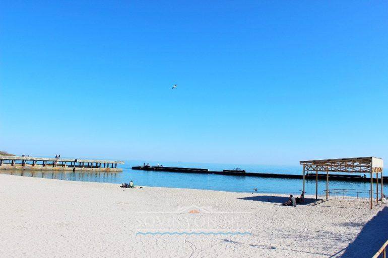 Монастырский пляж фото