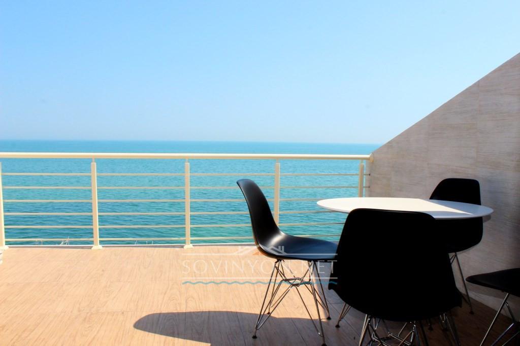 VIP-апартаменты в Совиньоне, 2017 года постройки в первой линии от моря