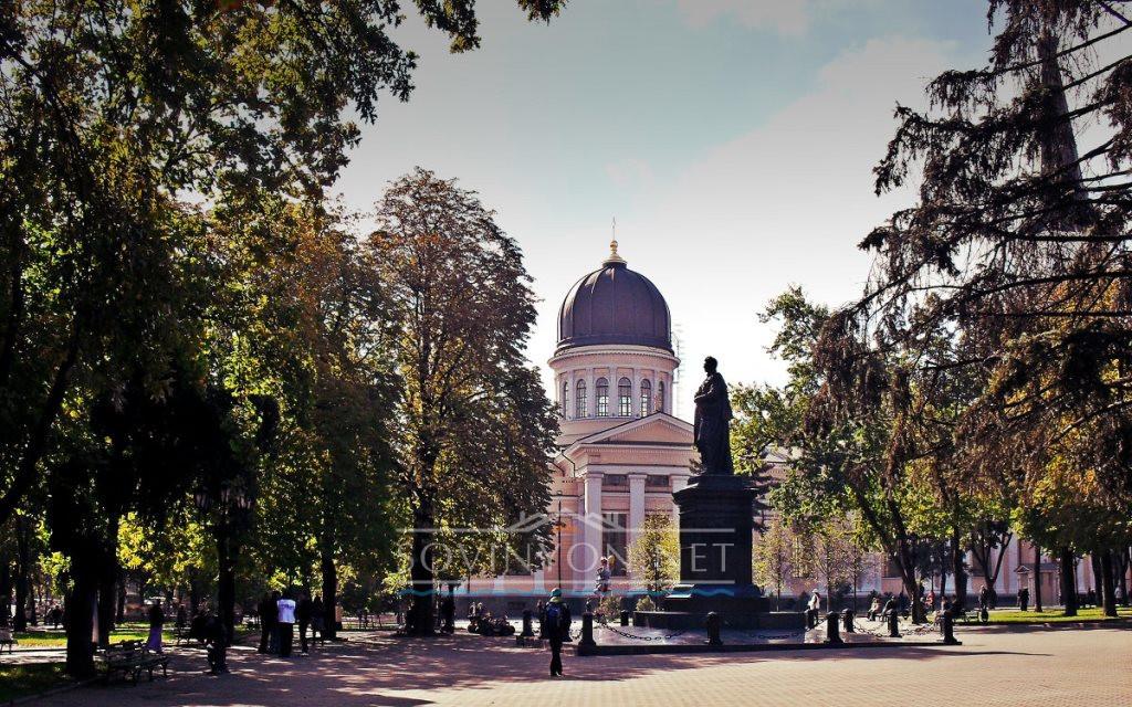 Памятник Воронцову на Соборной площади