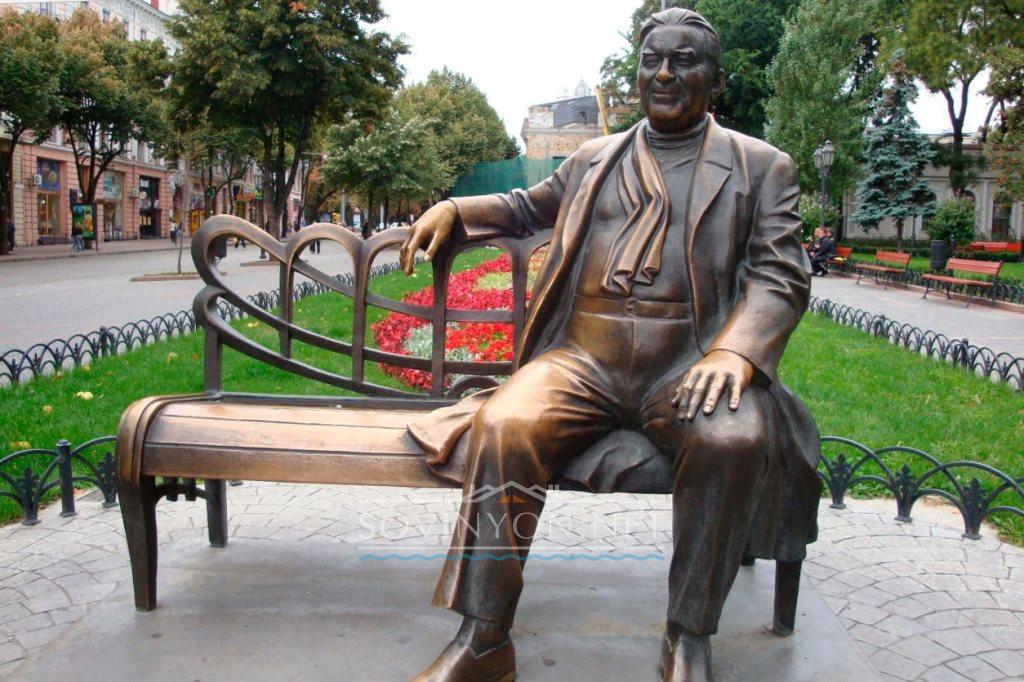 Памятник Утёсову фото
